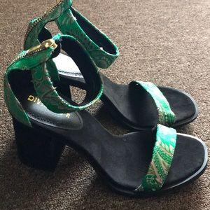 Green, Flower Patterned Heels 🌊